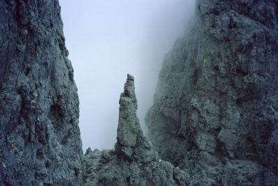 1994: Charakteristická věžička v sestupovém hřebeni